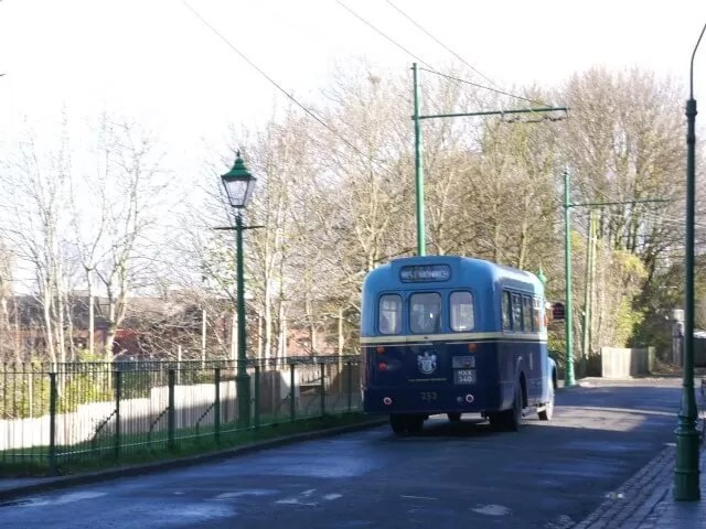 vintage bus at black countryliving museum