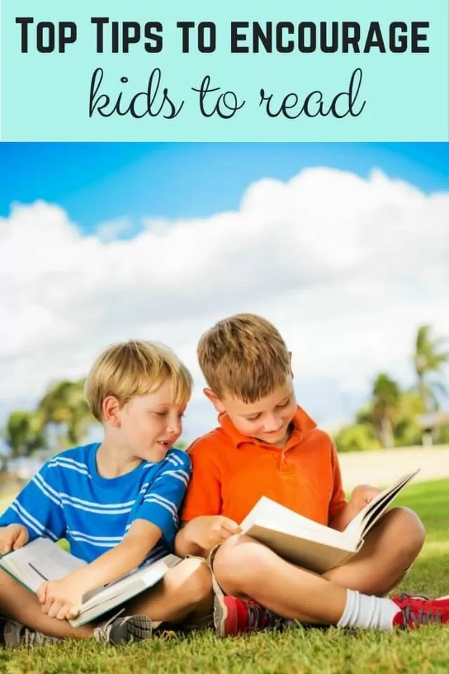 tips on encouraging kids to read (2 boys reading) - Bubbablue and me