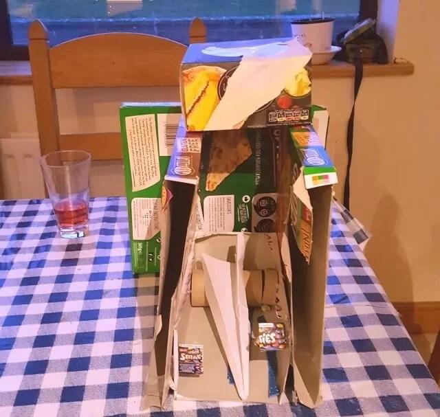 junk modelling kitchen cafe