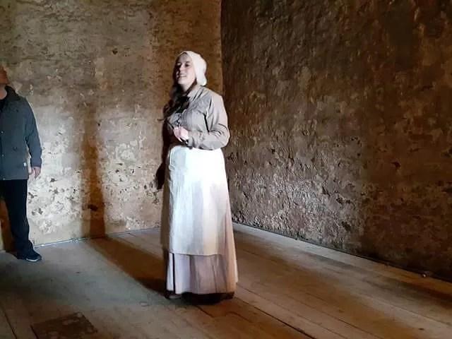 Oxford castle tour guide