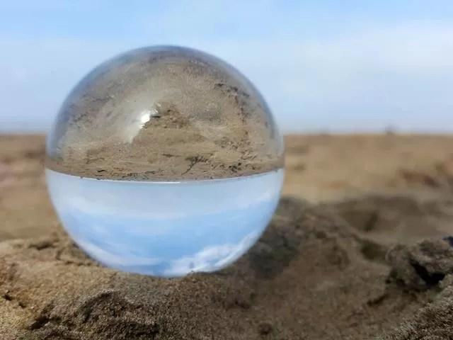 sand in lensball