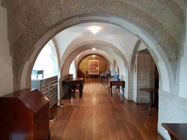 archways in castle drogo