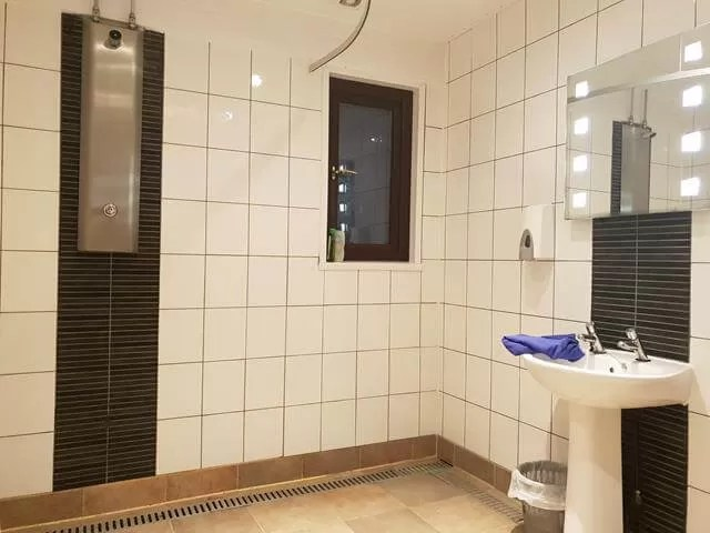 warcombe farm shower rooms