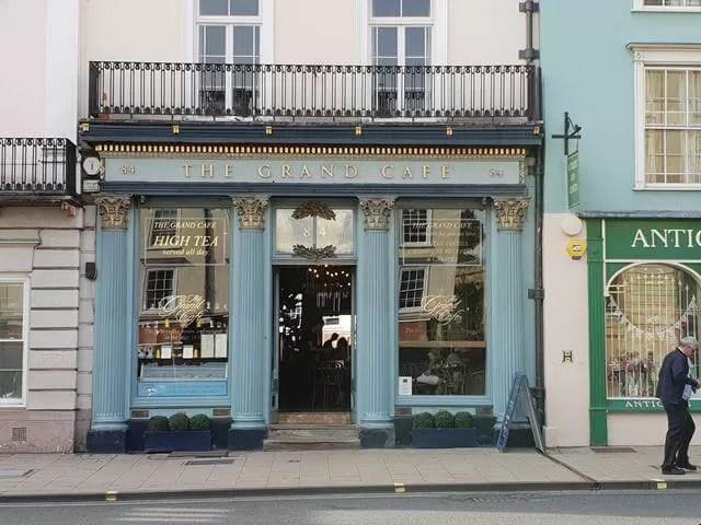 grand high cafe facade