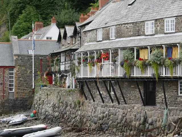 habour front at clovelly