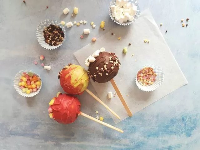 autumnal candy apples
