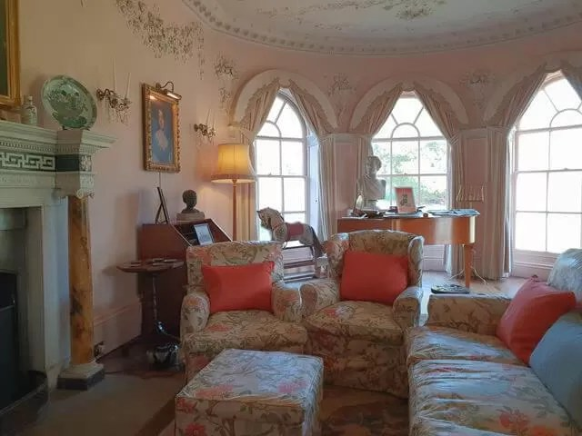 living room at greys court