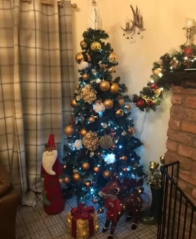 bronze and gold coloured tree