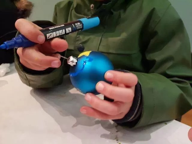 decorating a bauble