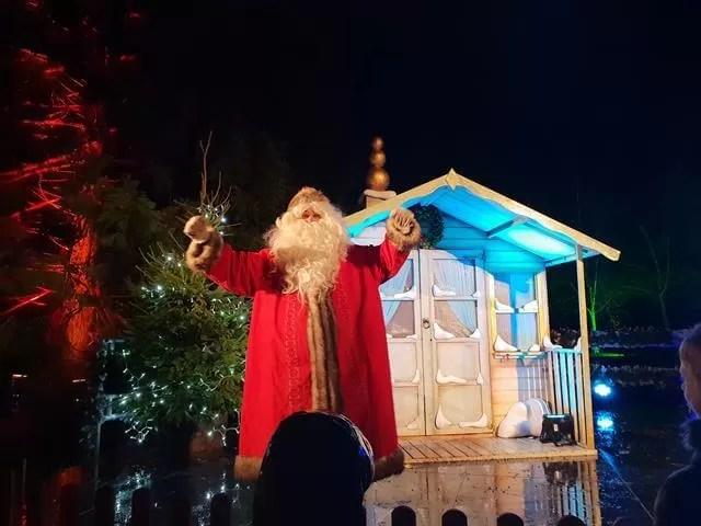 meeting santa outside his house