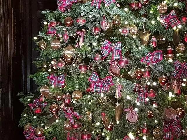 Tartan tree decorations