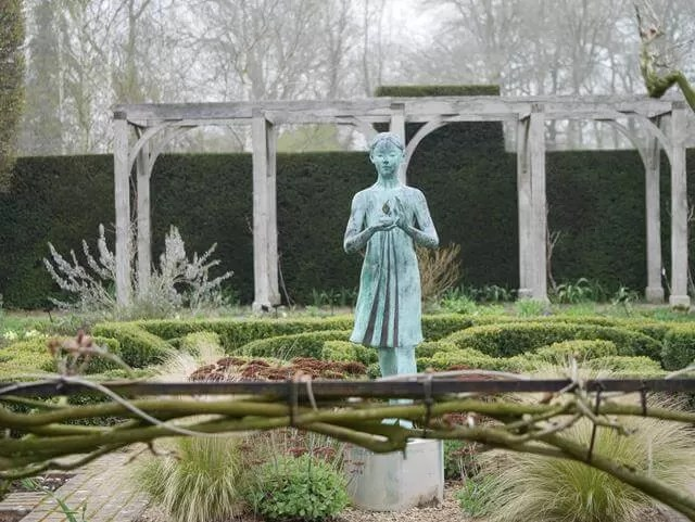 silent space at waterperry gardens