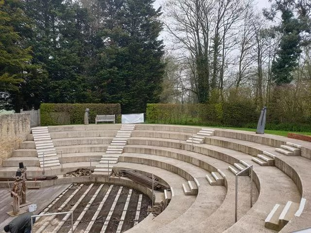 waterperrry amphitheatre