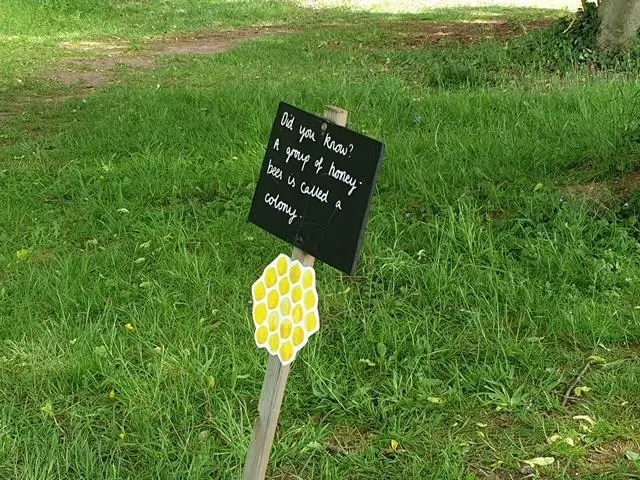 bee trail sign