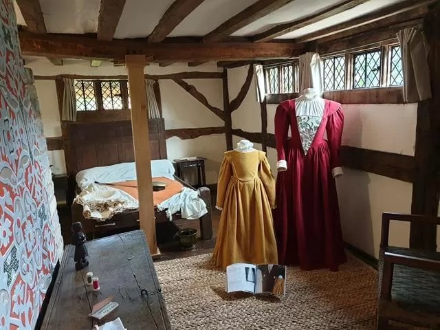 halls croft child bedroom