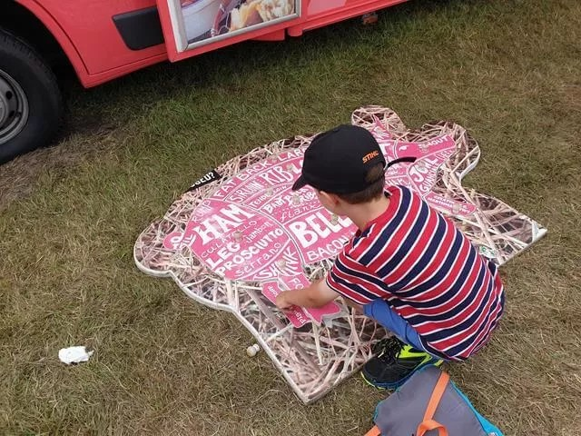 completing the pork pig jigsaw puzzle