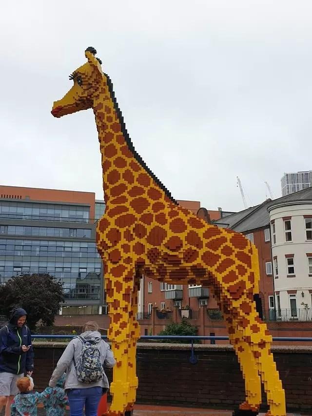 legoland discovery centre giraffe.