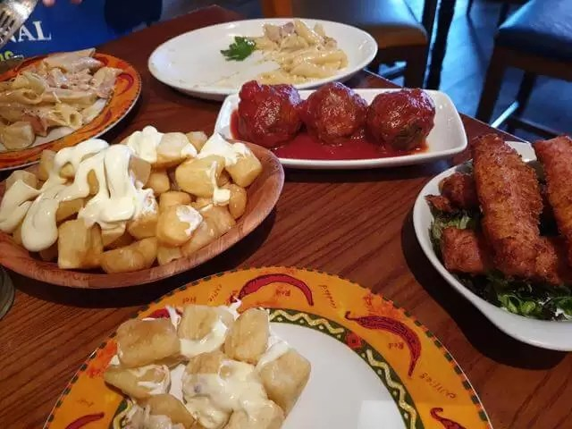 tapas in bodega bar