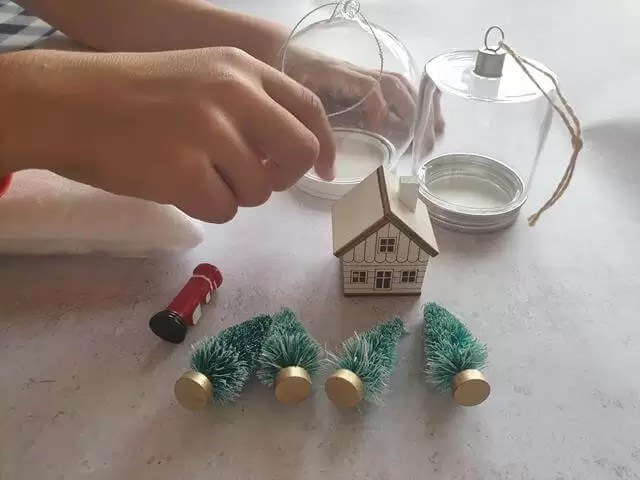 setting out props for baubles
