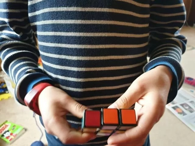 playing with Rubik edge