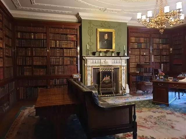 room at hughenden manor