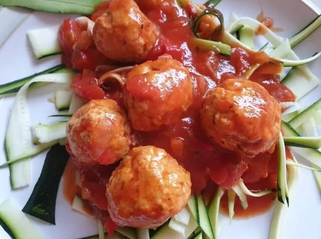 turkey meatballs and courgetti