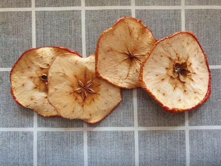 dried apple slices for decorations