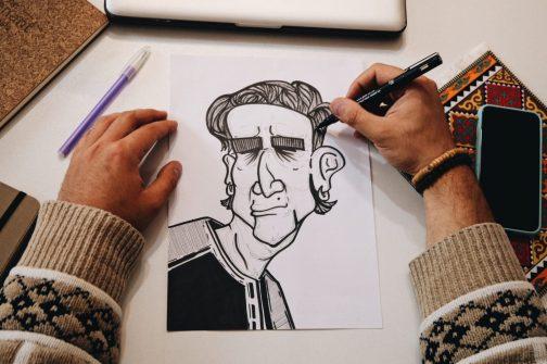 Spécialiste de la littérature sous toutes ses formes et magazine littéraire en ligne,  Ernest héberge depuis le mois dernier une rubrique Des bulles et des lignes où se croisent littératures et bandes dessinées.