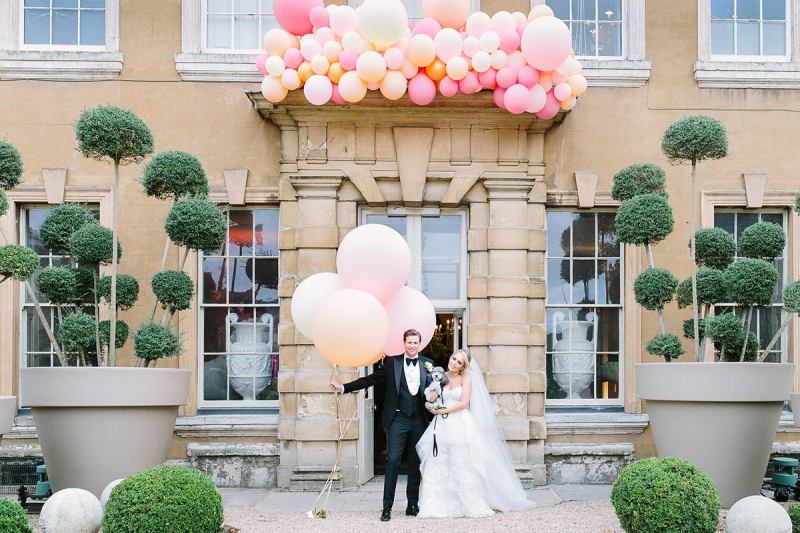 Bubblegum Balloons at Aynhoe Park, Barker Evans Photography 8.