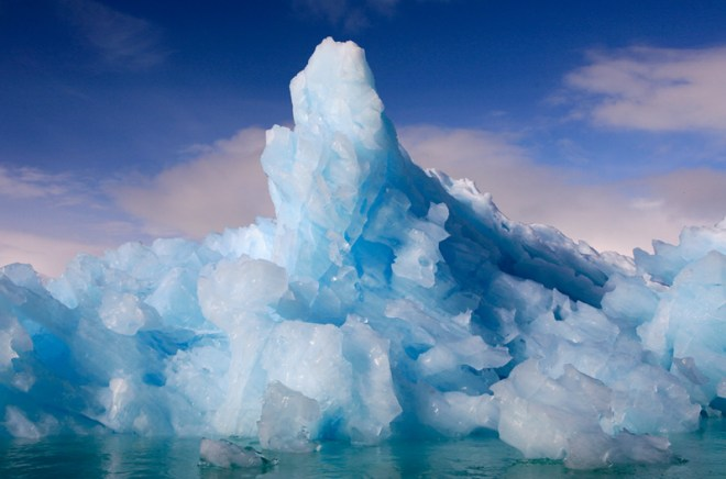 Eisberg im Lilliehöökfjorden, Spitzbergen, Svalbard, Norwegen, Norway, Lilliehöökfjorden, Eisberg, iceber, blau, blue, Klima, climate