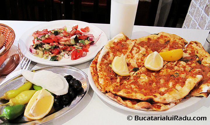 lahmacun reteta pizza turceasca