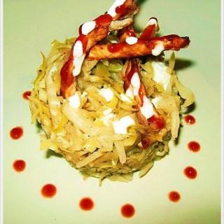 Varza calita aromata si cotlet de porc de la Deea's Cakes.
