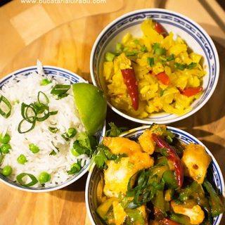 Curry de peste tailandez. Curry rosu tailandez cu merlucius.