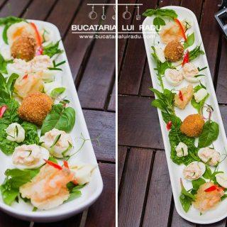 Oua de prepelita umplute cu creveti, oua in crusta si creveti tempura cu salata.
