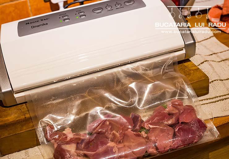 ciorba de dovlecei preparare carne