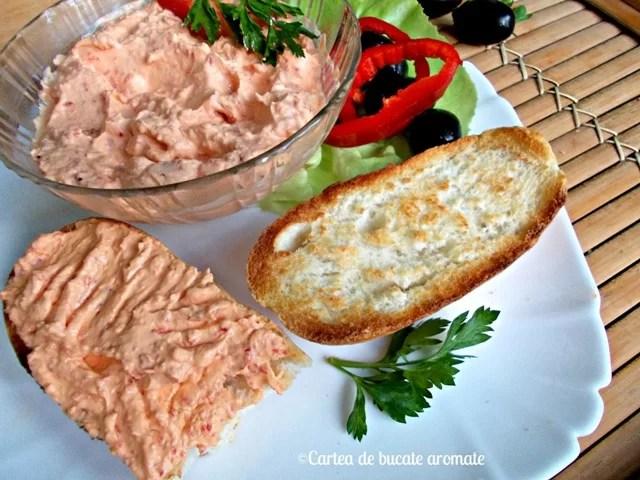 Cremă fină de brânză cu ardei kapia