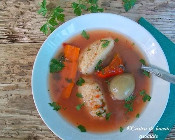 upă de legume cu găluşte de griş