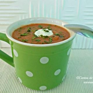 Supă-cremă de ardei copţi