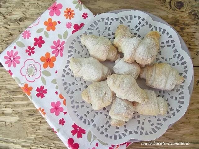 Cornuleţe din foietaj cu rahat