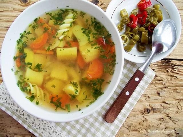 Supă de legume cu turmeric