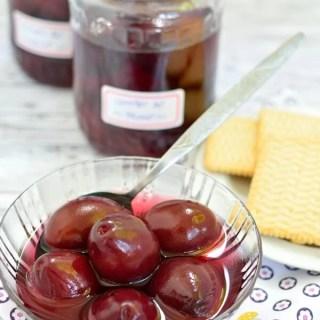 Compot de prune la borcan