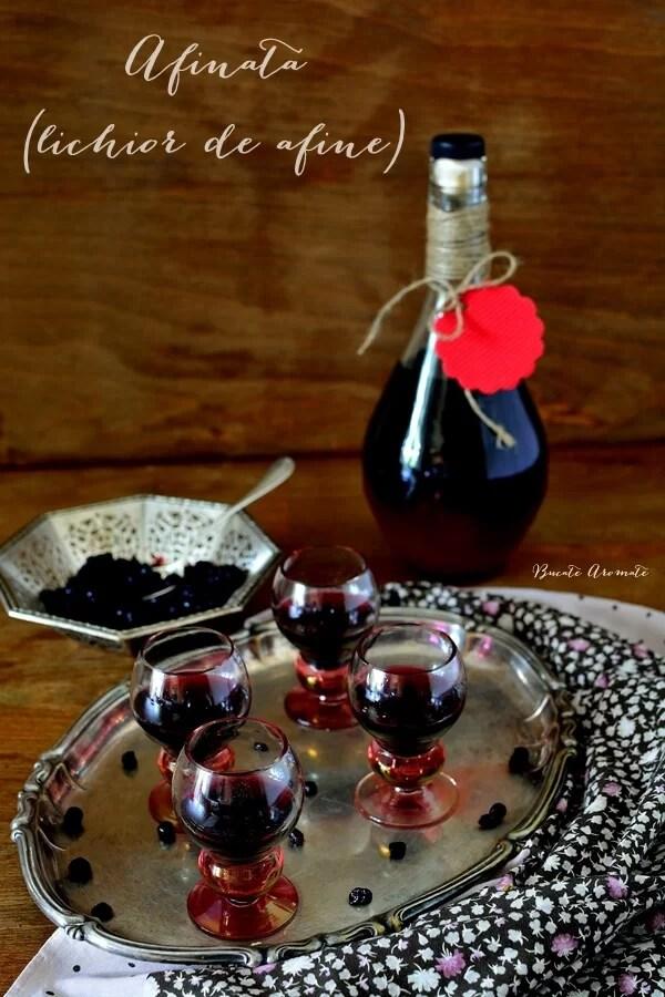 Afinată sau lichior de afine făcut în casă