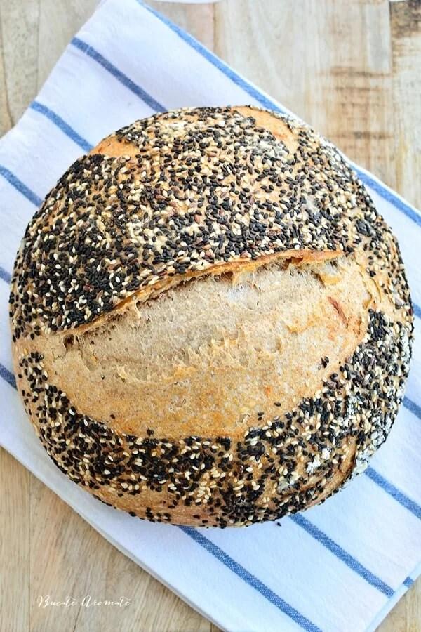 Pâine integrală cu ceapă (cu maia naturală)