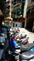 C'est ici qu'on se sent le plus en Asie depuis le déut de notre voyage: il y a à nouveau plein de motos et de scooters