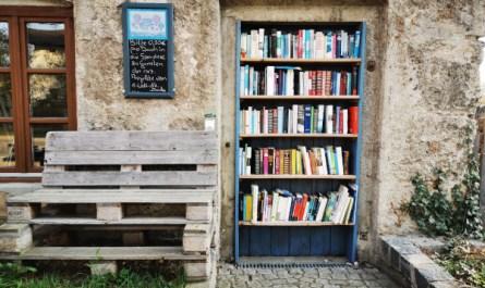 Öffentlicher Bücherschrank in 83373 Tengling