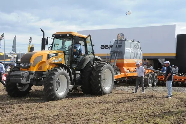 El mercado de tractores alcanzó los 941 equipos en el primer cuatrimestre