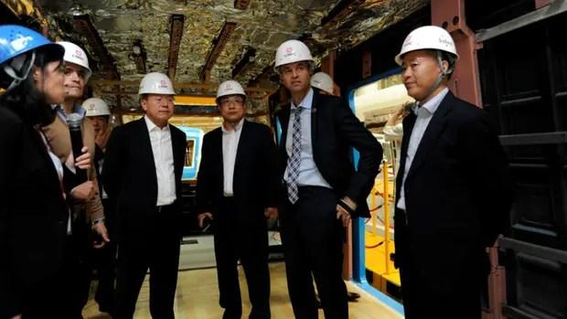Dietrich, en China, con empresarios ferroviarios