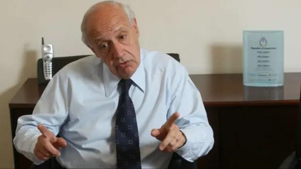 Roberto Lavagna explicó su posición sobre el acuerdo con los holdouts