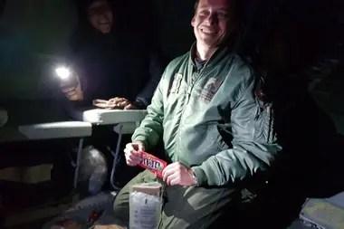 El piloto del helicóptero contaba con un kit de emergencias con algo de comida