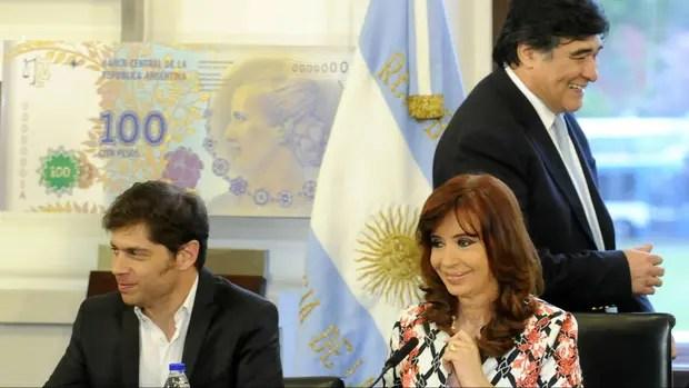 Carlos Zannini detrás de Cristina Kirchner en Casa Rosada
